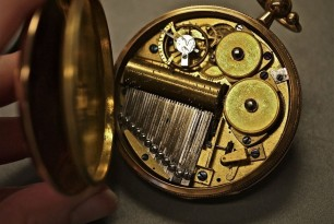 What to Consider When You Purchase a Musical Pocket Watch