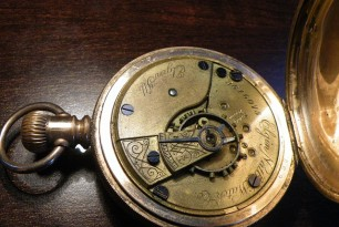 How to Find a Vintage Pocket Watch?